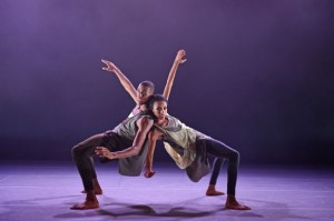 Ailey II's Jacoby Pruitt and Courtney Celeste Spears in Jamar Roberts' Gêmeos. Photo by Eduardo Patino